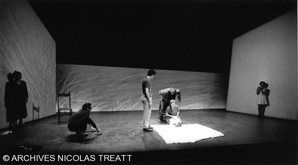 Bouger ou la nuit de l'enfant caillou, 1999